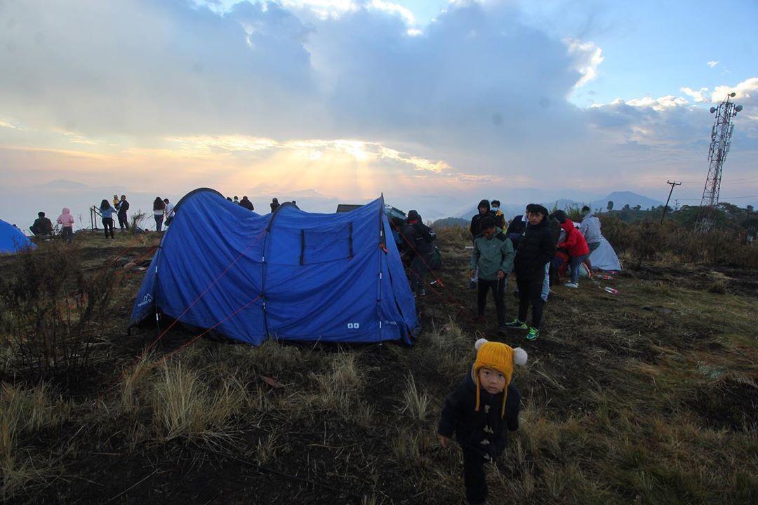 Camping in Manung Kot
