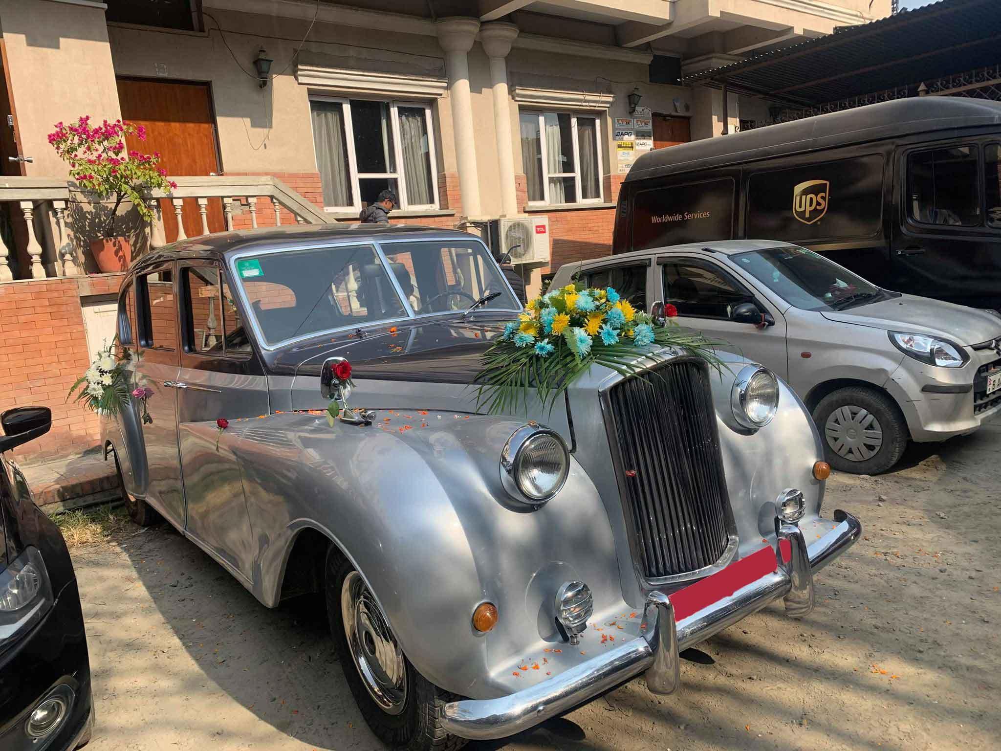 Classic vintage car rental for wedding